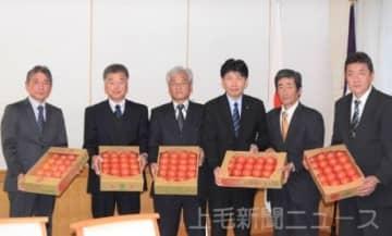 「冬春トマトPRを」 知事表敬 5JAが生産状況報告
