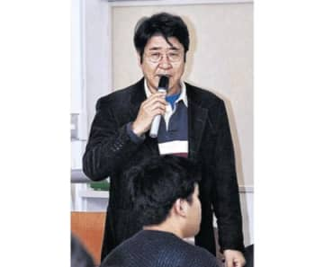 土井飛行士「宇宙目指せ」 公立小松大で特別講義