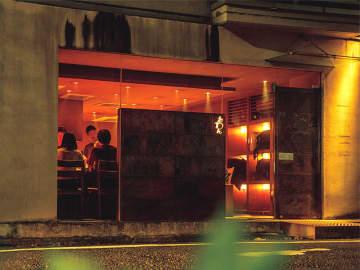 池尻・三宿が実はデートに使える!カウンターで艶やかな夜を楽しめる鉄板店5選