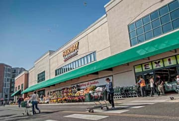 This is Fairway Market's second time filing for bankruptcy protection since 2016. (File photo | Staten Island Advance) (Staten Island Advance File Photo/)