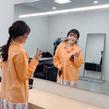 倉科カナ、鏡越しのピース&スマイルにファン「癒し」