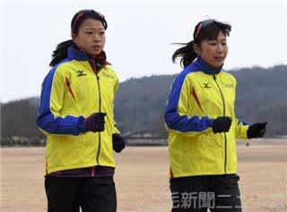 東京五輪日本代表の残り1枠を狙うヤマダ電機の竹地(左)と石井