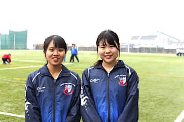 東明ラグビーが強くなる過程を見守った加藤綾乃(左)と工藤かんな
