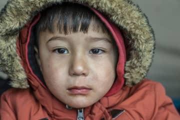ギリシャ:移民らが公的保険の対象外に 医療を受けられない難病の子どもたち