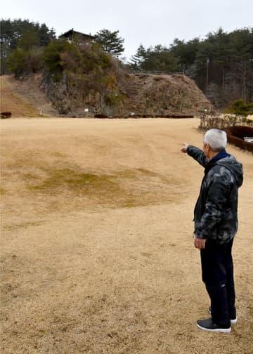 積雪ゼロの唐梅館総合公園内。第2回岩渕麗楽杯たげばすり大会は中止となった