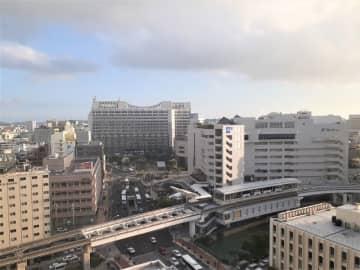 沖縄の天気予報(月日)午後から次第に曇り 所により一時雨