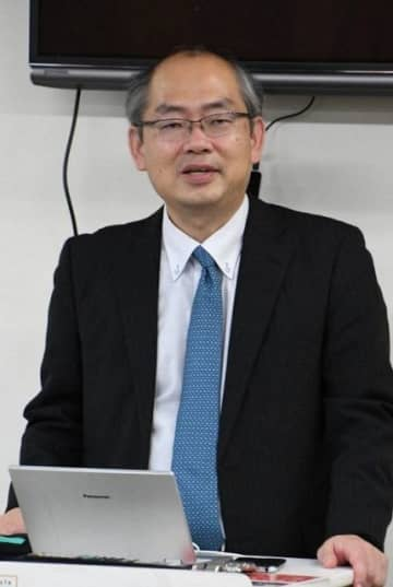 忍者の実像について話す山田教授