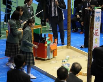 女子6人の前原中チームがロボコン全国大会へ 独創的アイデアに高評価