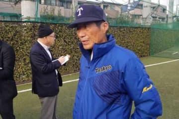 報道陣の取材に応じた帝京・前田三夫監督【写真:編集部】