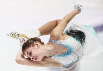 欧州選手権女子SPで演技するアリョーナ・コストルナヤ=グラーツ(タス=共同)