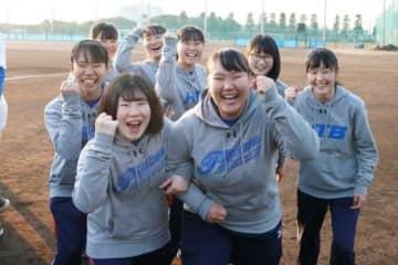 花咲徳栄の女子マネジャーも率先した行動で部に貢献している【写真:荒川祐史】
