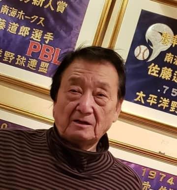 野球について熱く語る佐藤道郎さん。72歳とは思えない若々しさ