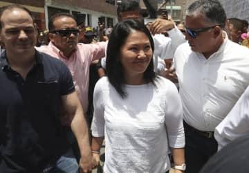 ペルー・リマで投票に訪れたケイコ容疑者=26日(AP=共同)