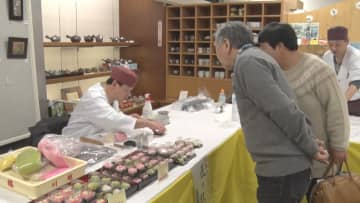 和菓子と洋菓子の技を披露