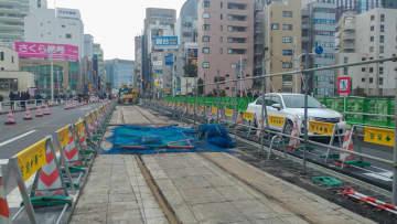 御茶ノ水駅前の橋に出現した線路