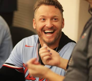 Newly signed Twins slugger Josh Donaldson interacts with fans while waiting to sign autographs during TwinsFest on Friday, Jan. 24, 2020 in Minneapolis, Minn. - David Joles/Minneapolis Star Tribune/TNS