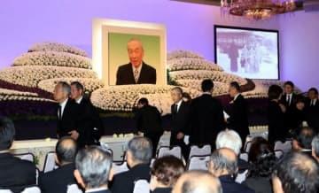 武田氏の冥福を祈ったお別れの会
