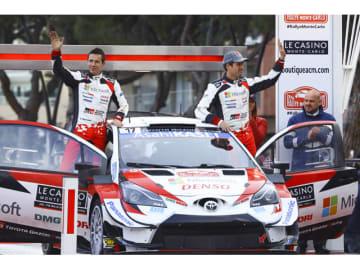 総合2位で表彰台に立ったTOYOTA GAZOO Racing World Rally Teamのセバスチャン・オジエ(写真右)とジュリアン・イングラシア組「ヤリスWRC17号車」