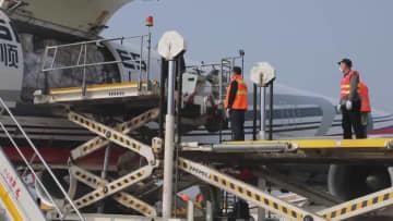 武漢空港、医療支援物資の空輸に全力で対応