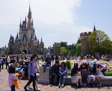 ディズニー入場料値上げ 4月から大人700円アップの8200円に