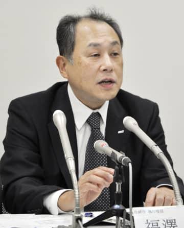 記者会見するANAホールディングスの福沢一郎取締役=30日午後、東京都内