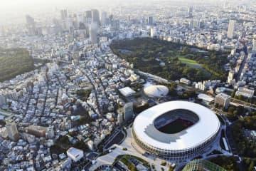 東京都心部と国立競技場=2019年