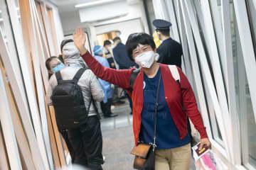中国政府チャーター機、バンコクから湖北省旅客76人乗せ武漢到着