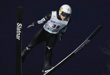 優勝した佐藤幸椰の1回目の飛躍=大倉山