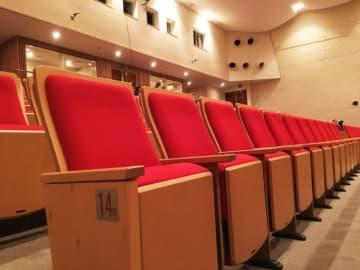 横浜・杉田劇場で冬まつりライブ ダンス・お囃子・バンドなど!