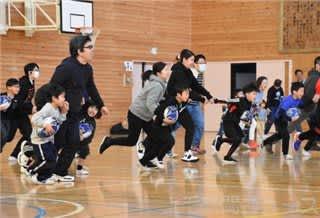 ラグビーボール使い遊び 太田で親子が体験教室