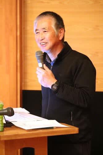 震災から9年、福島の現状を語る和田さん=長崎県諫早市多良見町、市立たらみ図書館