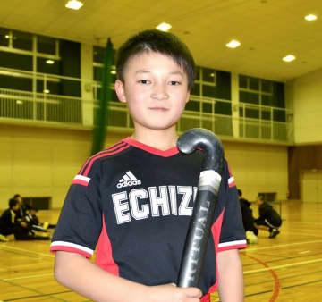 ホッケーのスポーツ少年団主将、佐々木琉心君=福井県越前町