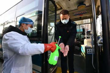 公共交通機関の感染対策を強化 山東省済南市