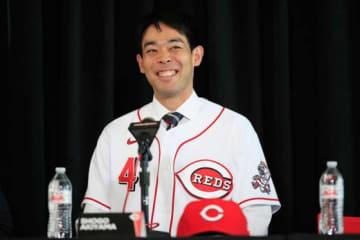 【MLB】レッズ、秋山翔吾をガイドブックで日本語紹介「デビュー戦ではダルビッシュと…」