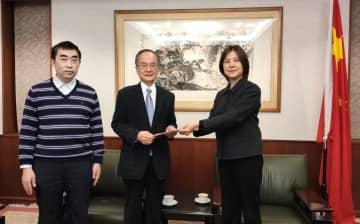 心は祖国と共に 日本の華僑華人団体が届ける心温まる支援の数々