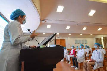 新型肺炎対応に臨む看護師らが訓練受講 湖南省長沙市