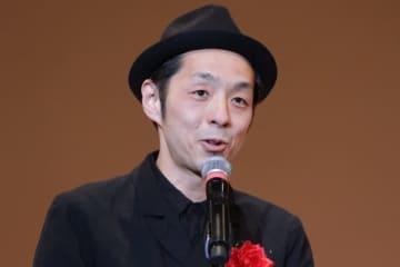 宮藤官九郎が新型コロナ感染を発表 「まさか自分がと過信した」