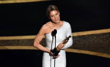 2度目のオスカー獲得となったレネー・ゼルウィガー - Kevin Winter / Getty Images