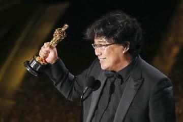 第92回米アカデミー賞で脚本賞を受賞した「パラサイト 半地下の家族」のポン・ジュノ監督