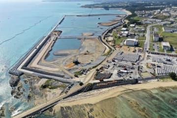 埋め立てが進む沖縄県名護市辺野古の沿岸部=2019年12月(小型無人機から)