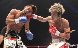 大阪のK-1と言えば皇治(左)。18年12月の大阪大会では武尊(右)を相手に一歩も退かない名勝負で盛り上げた