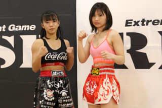 初参戦の伊藤(右)とAyaka(左)が計量パス
