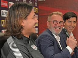 ACL初戦を前に記者会見するヴィッセル神戸のと大崎(左)とフィンク監督(左から2人目)=ノエビアスタジアム神戸(撮影・後藤亮平)
