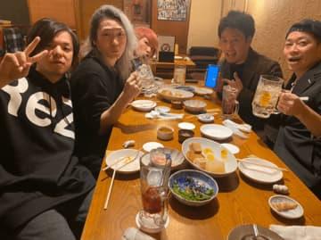 宮迫博之、DJ社長らとの食事会写真公開!