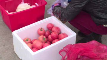 村民の食生活を守る「移動市場」