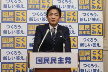 記者会見する国民民主党の玉木雄一郎代表。深夜にLINEで「ダメ出し」があることを明かした