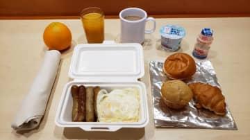12日の朝食にもヤクルトが(写真は、だぁ@daxa_twさん提供)