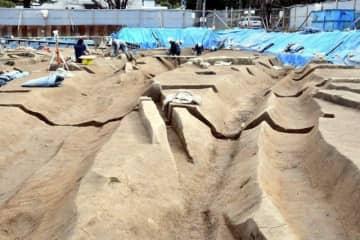 弥生~鎌倉時代に用水路などとして使われた溝跡が出土した津島岡大遺跡