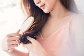 多くの女性が年齢を実感するのは、実は肌よりも髪とのこと。40代には40代にあったヘアケアが必要なのです。