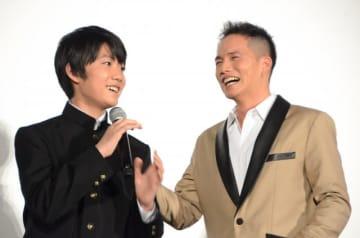 2人ともいい笑顔!佐藤大志と市原隼人